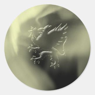 Golden griffin classic round sticker