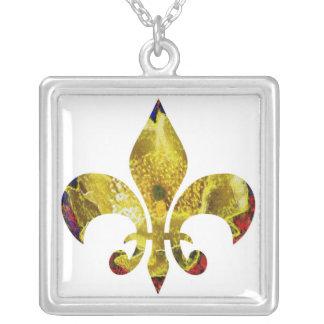 Golden  Pattern  : Fleur de Lis Square Pendant Necklace