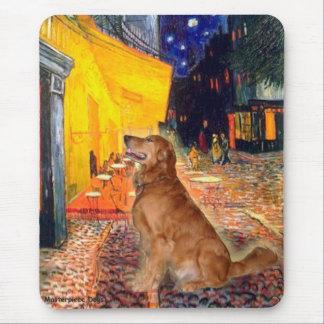 Golden Retriever 3 - Terrace Cafe Mouse Pad