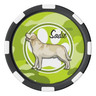 Golden retriever; camo verde claro, camuflaje fichas de póquer