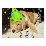 Golden retriever del juerguista del cumpleaños tarjetas
