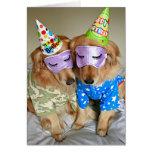 Golden retriever en cumpleaños de los pijamas tarjeta