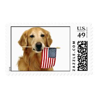 Golden retriever y bandera americana timbres postales