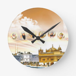 GOLDEN TEMPLE WITH THE SIKH GURUS ROUND CLOCK