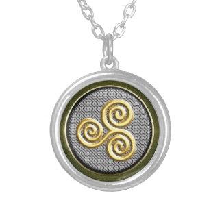 Golden Triskele Round Necklace