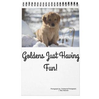 Goldens apenas que se divierte calendario de pared