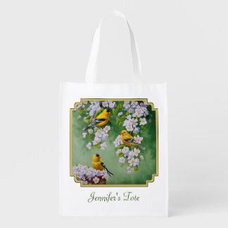 Goldfinches americanos y flores rosados de Apple Bolsa Para La Compra