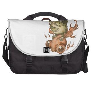 Goldfish and bean frog No 001 Laptop Messenger Bag