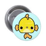 GoldFish de Kawaii (usted cambia el fondo!) Pin Redondo De 2 Pulgadas