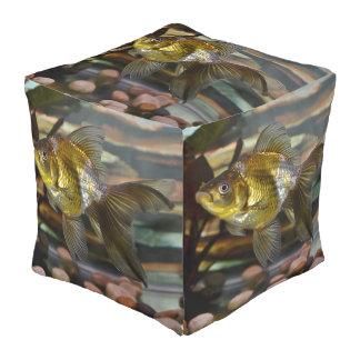 Goldfish de lujo de la cola de milano puff cuadrado