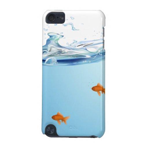 Goldfish debajo del acuario del agua funda para iPod touch 5G