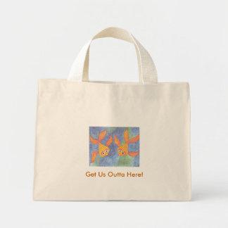 Goldfish en un bolso bolsa tela pequeña