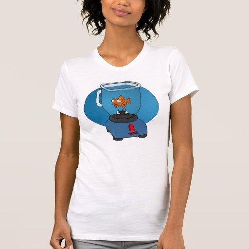 Goldfish triste en un mezclador camisetas