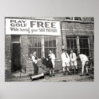 Golf del juego libre mientras que haciendo su jue impresiones
