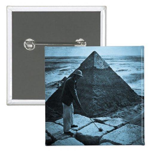 Golf en el azul del vintage de la pirámide entonad pin