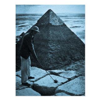 Golf en el azul del vintage de la pirámide postal