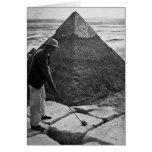 Golf en el vintage de la pirámide blanco y negro tarjeta de felicitación