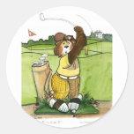 Golfista de sexo masculino chistoso en un equipo pegatina redonda