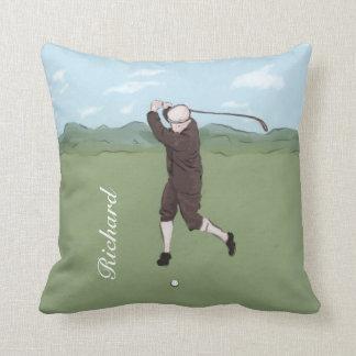 Golfista dibujado y pintado de la mano cojín