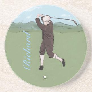 Golfista dibujado y pintado de la mano posavasos para bebidas