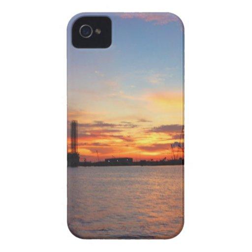 golfo de la puesta del sol iPhone 4 protector