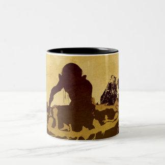 Gollum en una balsa taza de café