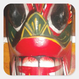 Golpe gifts.jp de Halloween del cráneo de Hakuna Calcomanias Cuadradas