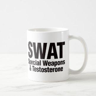 GOLPE VIOLENTO, armas especiales y testosterona Taza Básica Blanca