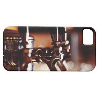 Golpecitos de la cerveza iPhone 5 carcasas