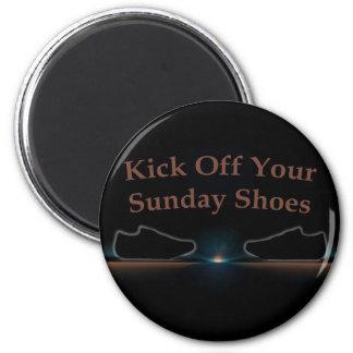 Golpee apagado sus zapatos de domingo con el pie imán redondo 5 cm