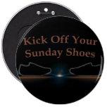 Golpee apagado sus zapatos de domingo con el pie pin