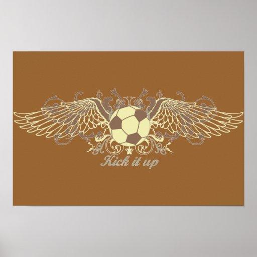 Golpéelo con el pie encima de fútbol póster