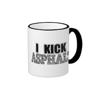 Golpeo el asfalto con el pie taza de café