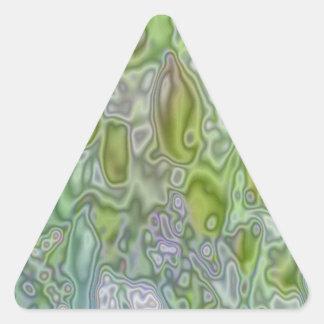 Golpeteo extraño de un manzano pegatina triangular