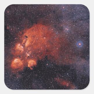 Goma 64 de la garra de oso de la nebulosa NGC 6334 Pegatina Cuadrada