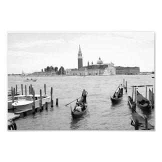 Góndola blanco y negro en la ciudad de Venecia Arte Fotografico