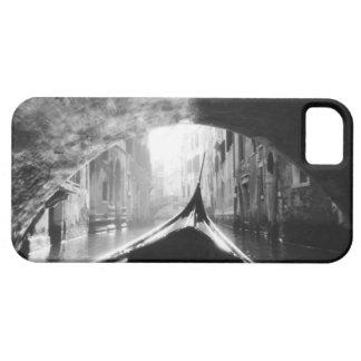 Góndola debajo de un puente de Venecia iPhone 5 Carcasa