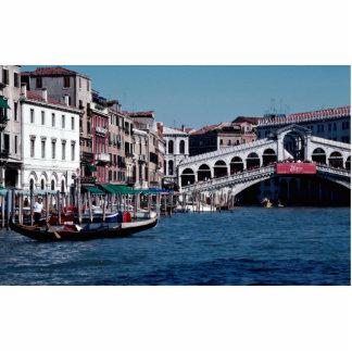 Góndola en el Gran Canal, puente de Rialto, Veneci Fotoescultura Vertical