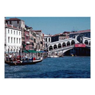 Góndola en el Gran Canal puente de Rialto Veneci Comunicados Personales