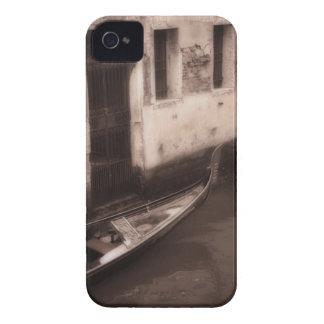 Góndola en Venecia Italia iPhone 4 Case-Mate Cárcasas