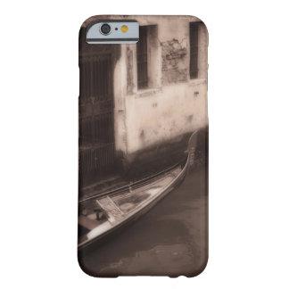 Góndola en Venecia Italia Funda Barely There iPhone 6