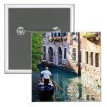 Góndola en Venecia Italia Pin Cuadrado