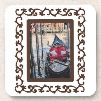 Góndola enmarcada adornada en Venezia Posavasos De Bebida