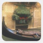 Góndola y restaurante, Venecia, Véneto, Italia Calcomanías Cuadradas
