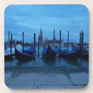 Góndolas de Venecia Italia Posavasos De Bebida