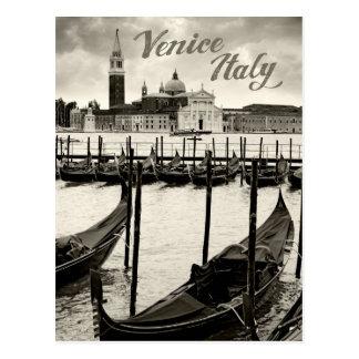Góndolas en Venecia Postales