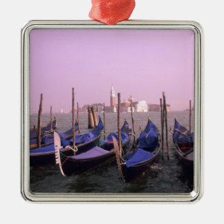 Góndolas listas para los turistas en Venecia Adorno Navideño Cuadrado De Metal