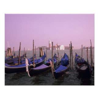 Góndolas listas para los turistas en Venecia Itali Póster