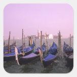 Góndolas listas para los turistas en Venecia Pegatina Cuadrada