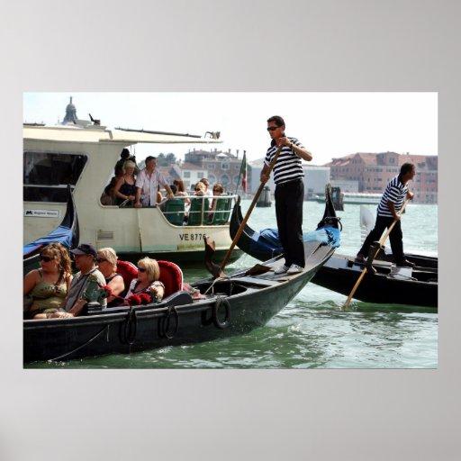 GONDOLEROS DE VENECIA EN EL GRAN CANAL PÓSTER